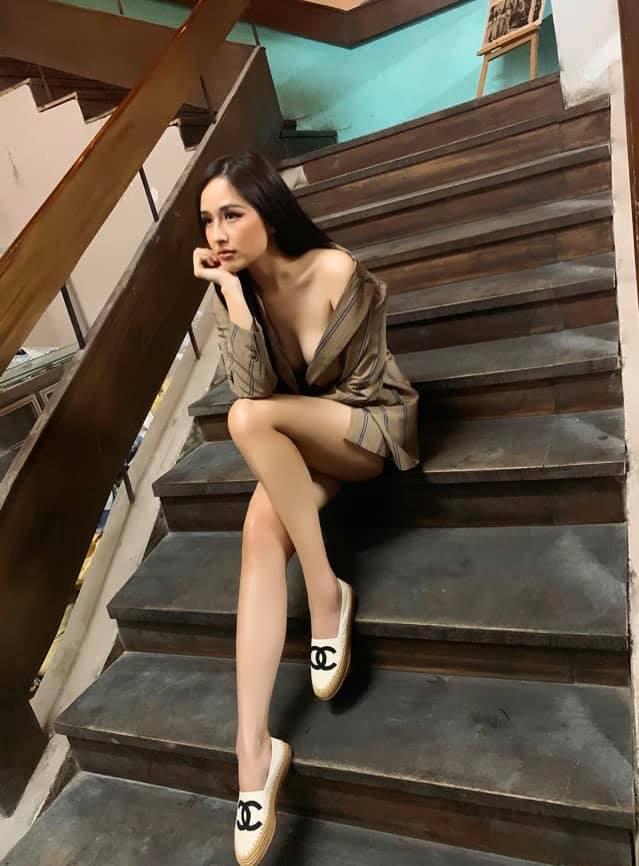 Những lần Mai Phương Thúy dùng váy áo khoe triệt để vòng 1