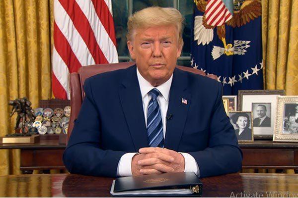 Ông Trump tạm cấm mọi di chuyển từ châu Âu vào Mỹ để chống Covid-19