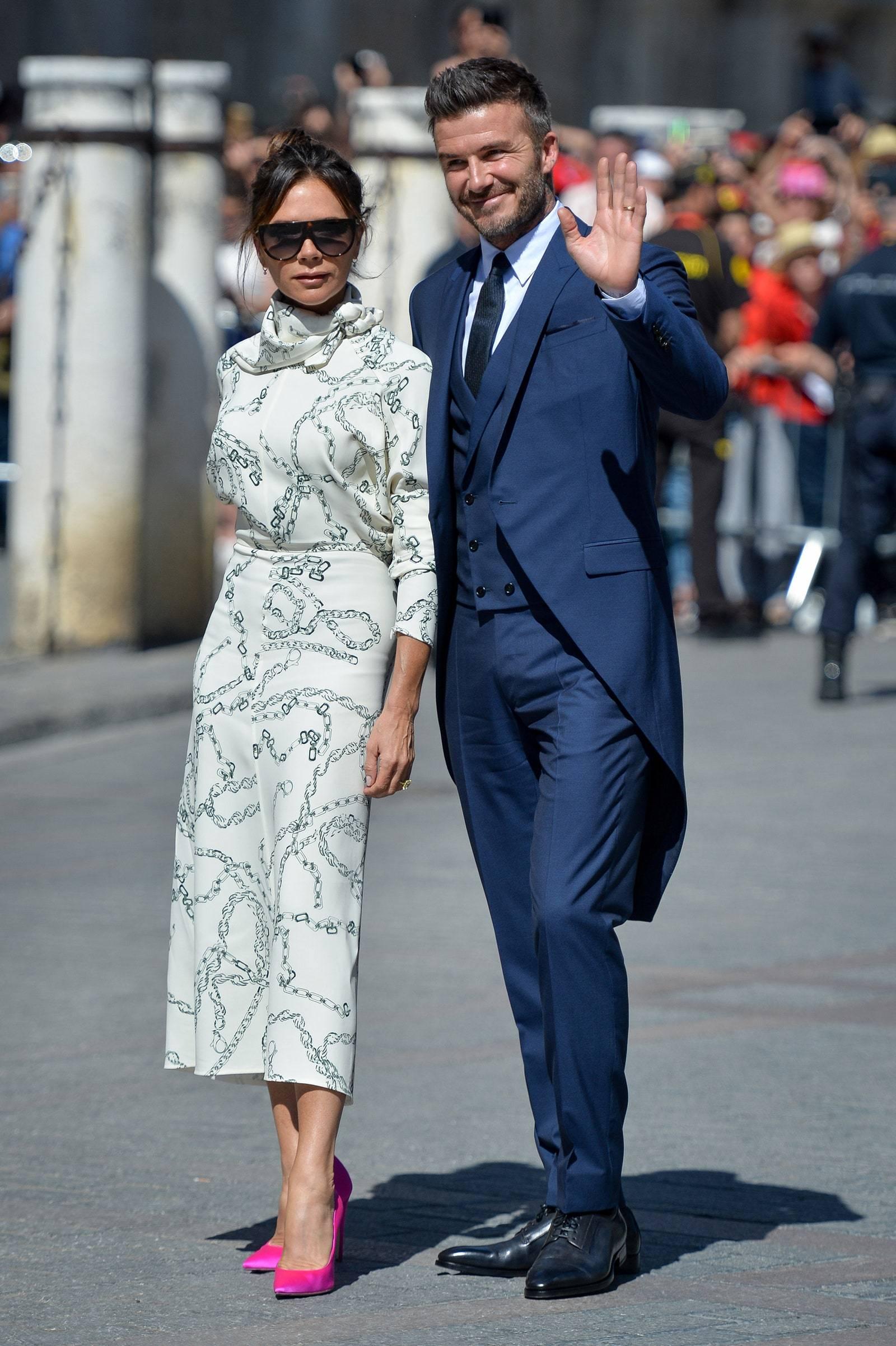 Thời trang biến hình cặp đôi 'số 1 thế giới' Victoria - David Beckham