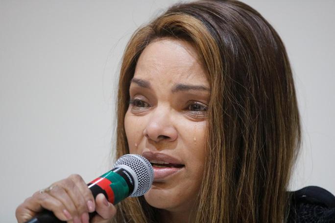 Brazil: Nữ nghị sĩ mưu sát chồng 7 lần, xả 30 phát súng vào bạn đời - Ảnh 1.