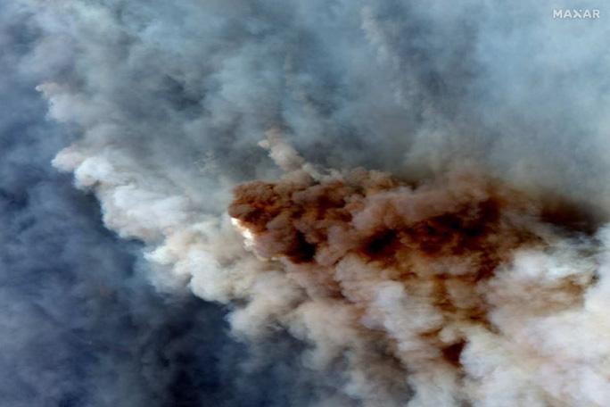 Điểm lại những sự kiện chấn động năm 2020 qua ảnh vệ tinh - Ảnh 1.
