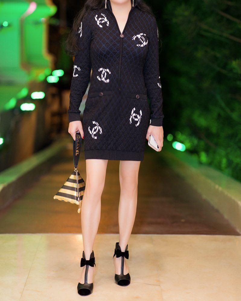 Phượng Chanel bị bóc mẽ photoshop da trắng toát, đầu gối biến mất-8
