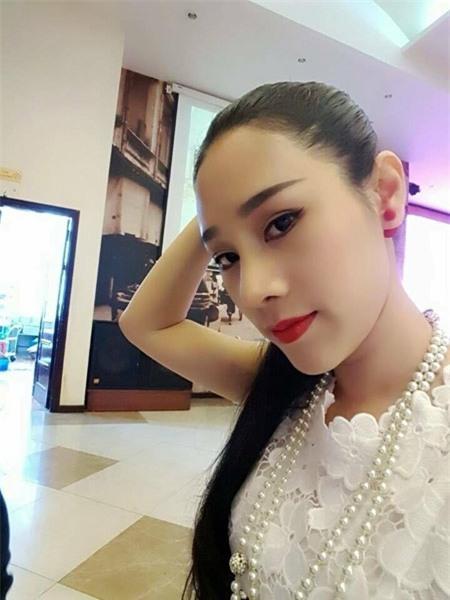 Sắc vóc 2 người đẹp Việt công khai sửa mũi 6 lần