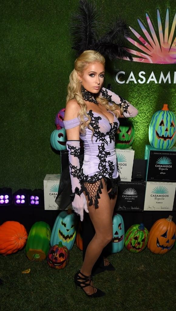Mỹ nhân khoe ngực đầy khi hóa trang đi chơi Halloween