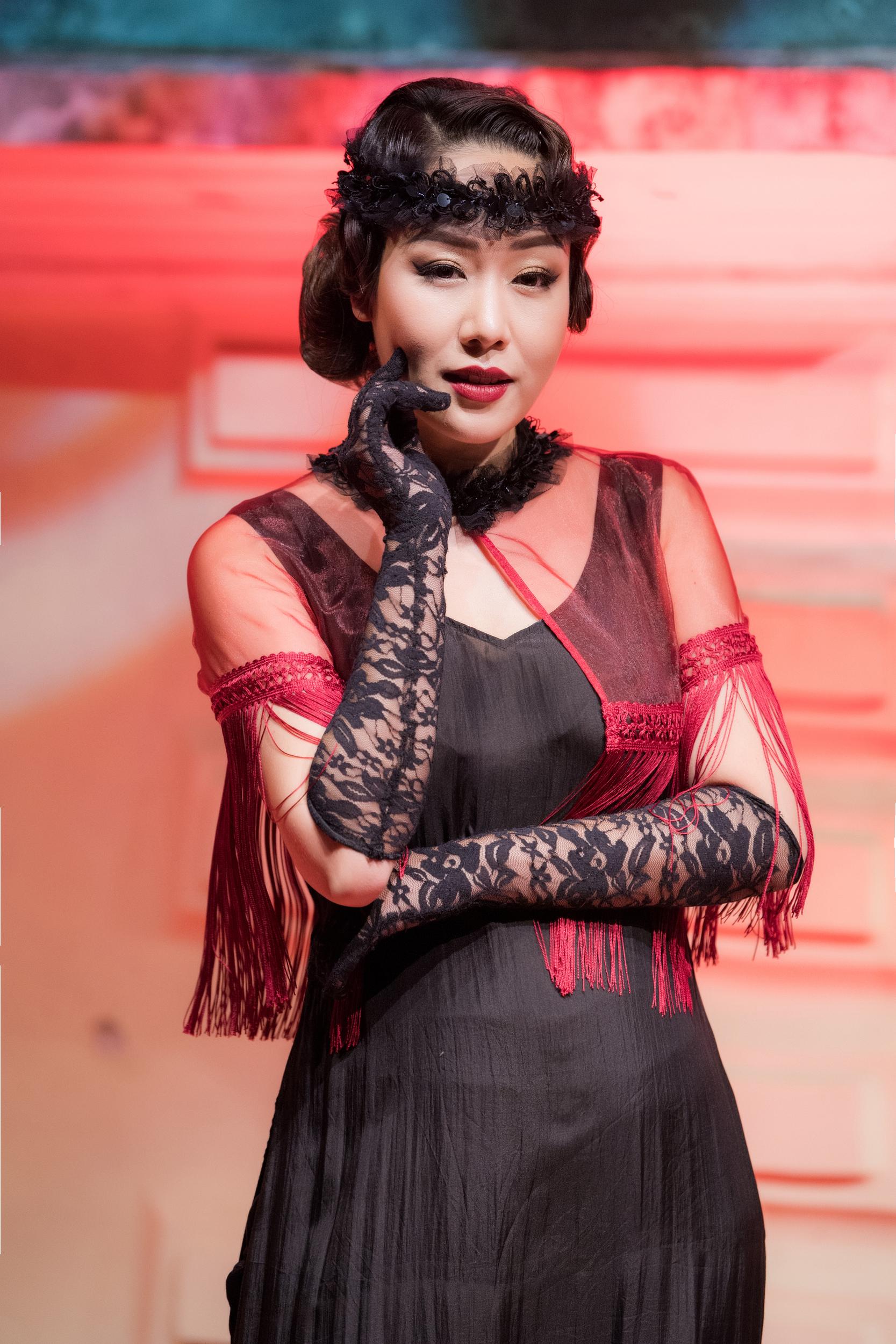 Hà Tăng lộ vẻ gầy gò khi dự show thời trang