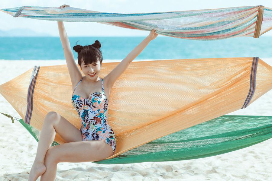 DJ Trang Moon khoe vẻ đẹp đầy nóng bỏng