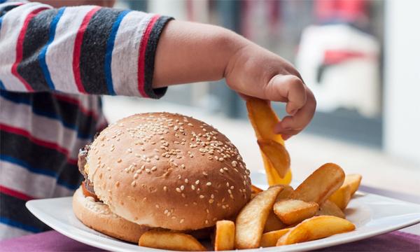 Tại sao bạn nên ăn càng chậm càng tốt?