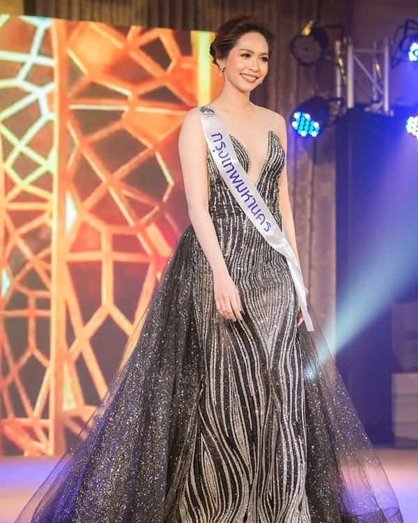 Nhan sắc trong veo của dược sĩ Thái Lan đăng quang Hoa hậu Quốc tế 2019