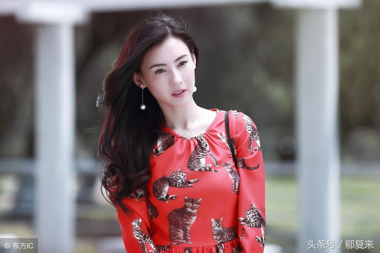 Trương Bá Chi, nữ thần 'vạn người mê' làm mẹ đơn thân nuôi 3 con