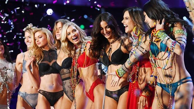 Dàn thiên thần nội y nóng bỏng nhất trong lịch sử Victoria's Secret