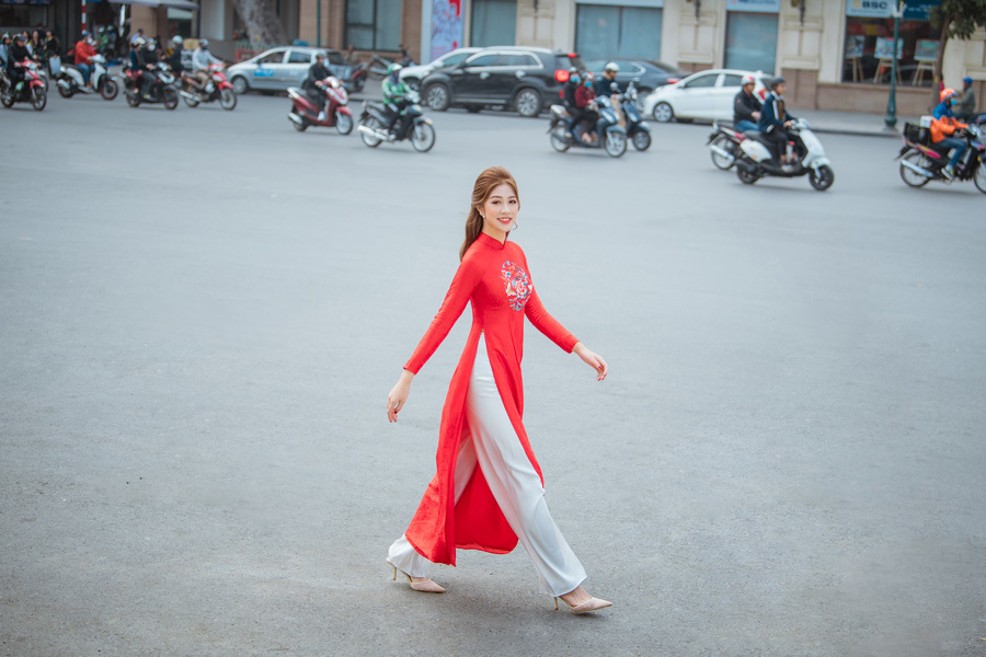 Top 10 Hoa hậu Việt Nam 2020 Đặng Vân Ly đẹp nền nã với áo dài