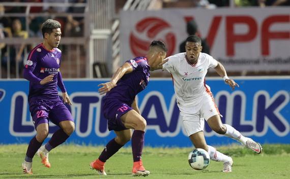 CLB Viettel (áo trắng) trở thành tân vương của V-League! Ảnh VPF