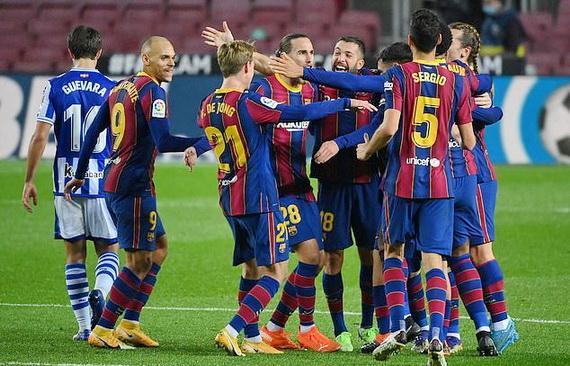 Barcelona giành chiến thắng quan trọng trước Real Sociedad