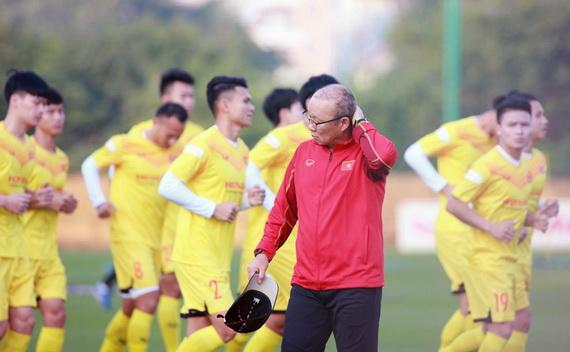 Ông Park Hang Seo đang đi tìm chiến thuật mới cho tuyển Việt Nam. Ảnh: VFF