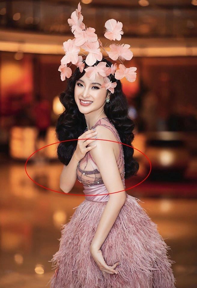 Lần đầu Hari Won đụng hàng Angela Phương Trinh: Cả hai cùng mất điểm vì lộ mút ngực-4