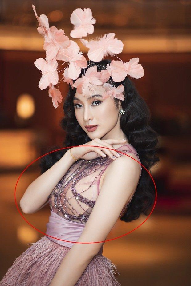 Lần đầu Hari Won đụng hàng Angela Phương Trinh: Cả hai cùng mất điểm vì lộ mút ngực-5