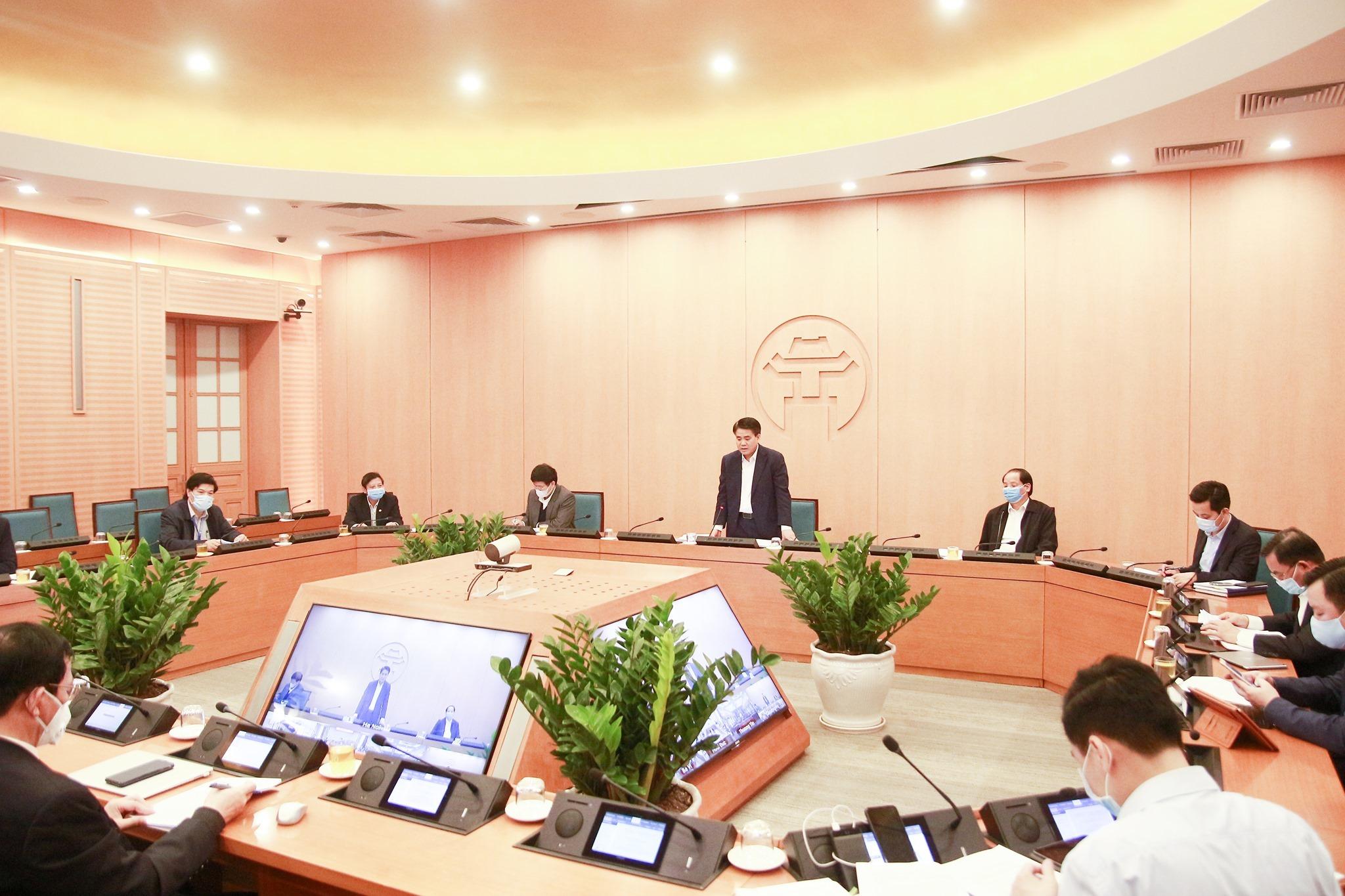 Chủ tịch Hà Nội: Có thể 'thở phào' từ thông tin mới ở ổ dịch Bạch Mai