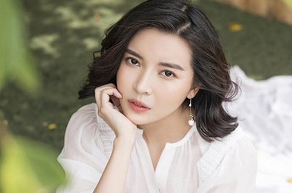 Cao Thái Hà 'Hậu duệ mặt trời'' xin lỗi vì đăng clip hút thuốc