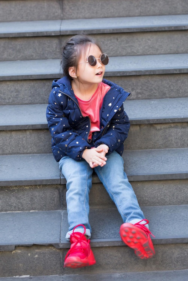 Con gái 6 tuổi lai Tây xinh đẹp của Đoan Trang nói giỏi 3 thứ tiếng