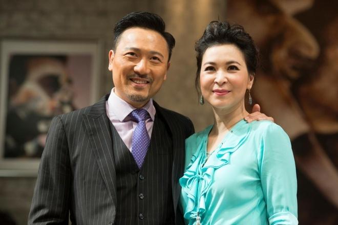 Mỹ nhân 'Thần điêu đại hiệp' kết hôn với bạn trai sau 24 năm yêu nhau