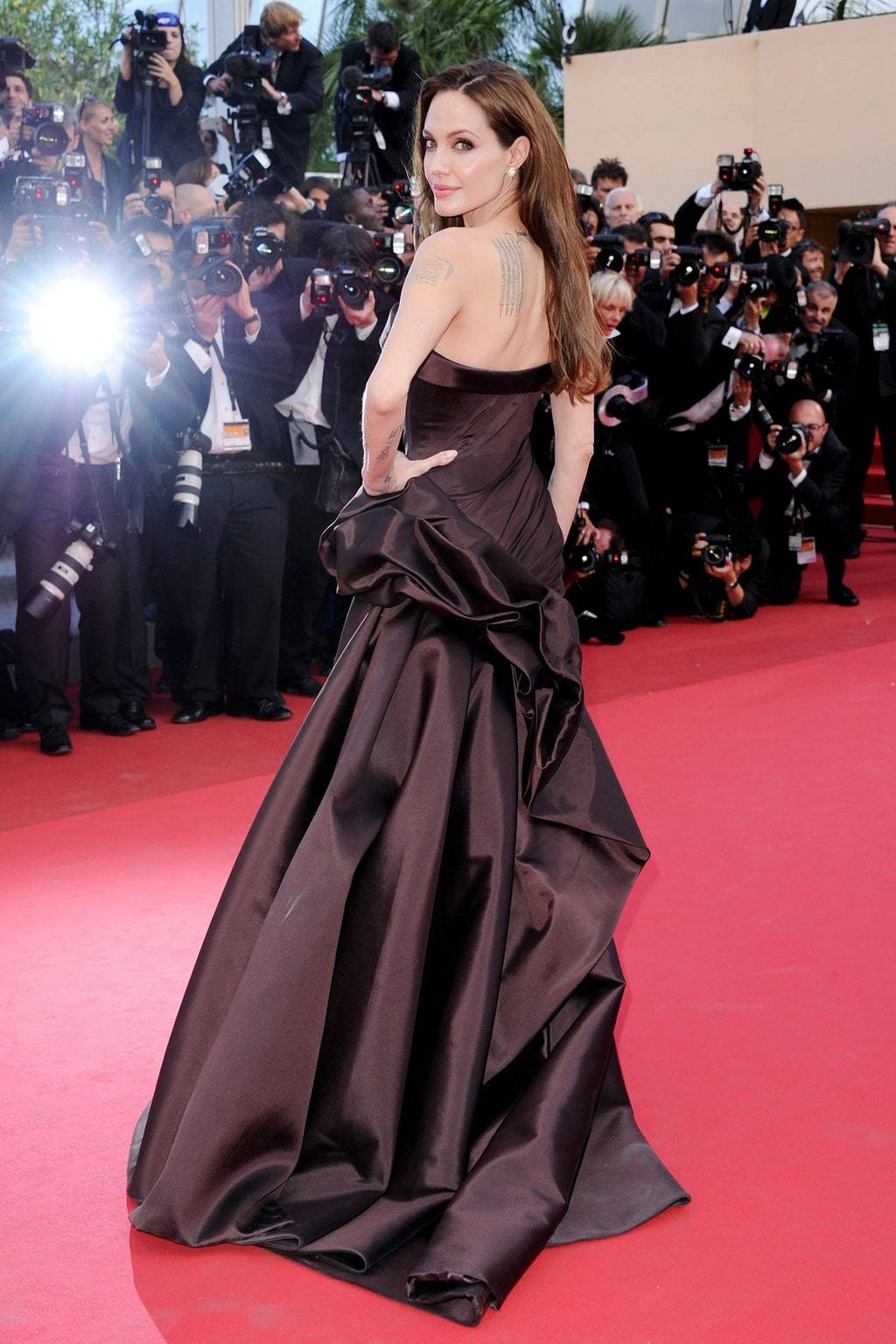 Phong cách thời trang thanh lịch Angelina Jolie