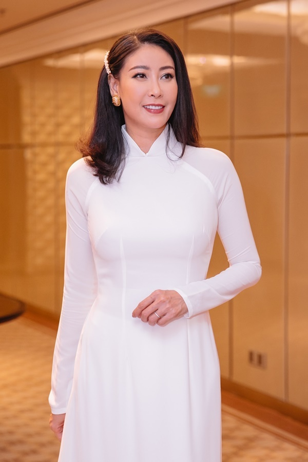 Hà Kiều Anh: 'Chỉ cần tôi muốn, cả chồng và con sẽ làm theo'