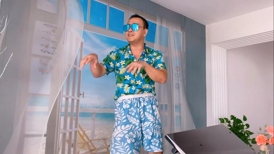 'Cười suýt rớt điện thoại' với màn hát, múa của MC Quyền Linh