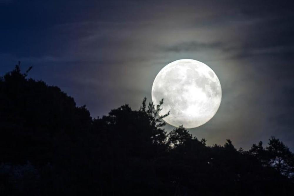 Siêu trăng lớn nhất trong năm 2020 sắp xuất hiện