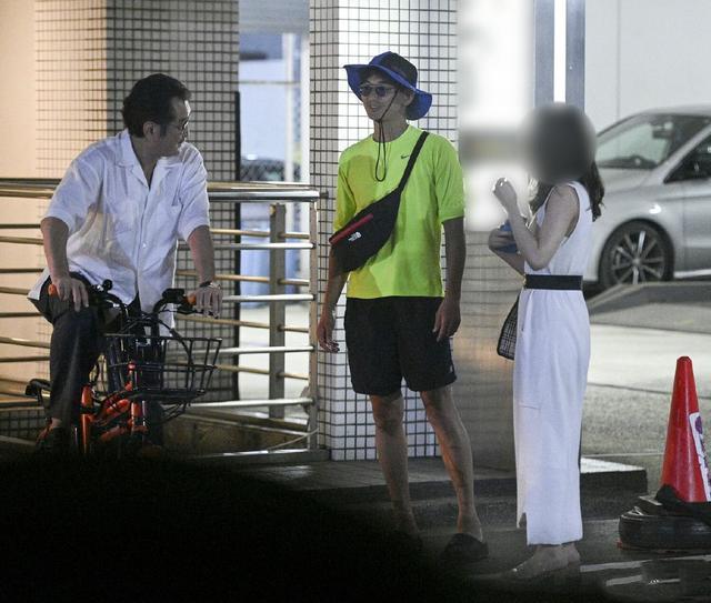 Tài tử Nhật Bản phủ nhận ngoại tình với gái trẻ kém 18 tuổi