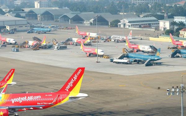 Cục Hàng không yêu cầu các hãng bán vé ồ ạt phải trả lại tiền cho khách